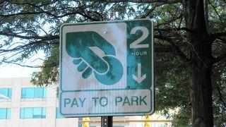 Paytopark sign